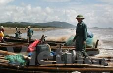 Một tàu cá bị đâm chìm, ba thuyền viên mất tích
