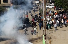 Biểu tình bạo lực đang diễn ra tại Nigeria, Gabon