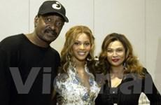 Cha của Beyonce không còn là quản lý của con gái