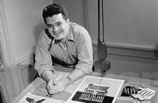 Người phát minh ra bìa album vừa qua đời ở tuổi 94
