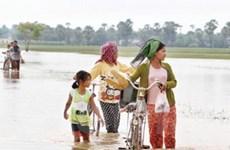 Cứu trợ người Việt ở Campuchia bị ảnh hưởng lũ lụt