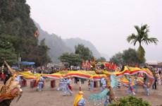 Hòa Bình khai hội Chùa Tiên Phú Lão năm 2012