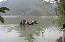 Rủ nhau tắm hồ, tám em học sinh nữ bị chết đuối