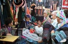 Lào Cai gắn phát triển thương mại với dịch vụ, du lịch