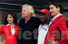 Tỷ phú Richard Branson sẽ làm tiếp viên cho AirAsia