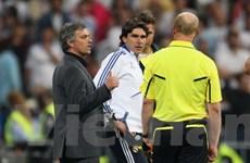 Mourinho dạy đạo đức