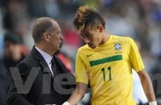 Cả Brazil lẫn Argentina đều không sa thải HLV