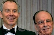 Tony Blair làm cha đỡ đầu cho con Rupert Murdoch