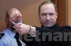 Tòa án gia hạn lệnh tạm giam với sát thủ Na Uy