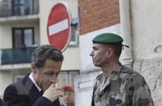 Pháp bác bỏ thông tin nghi can xả súng đã bị bắt