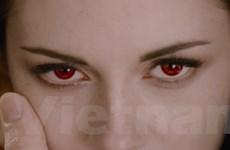 """Nàng Bella hóa thành Ma-cà-rồng trong """"Hừng đông 2"""""""