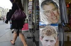 """Quá khứ đầy bê bối của """"Hoàng tử khỏa thân"""" Harry"""