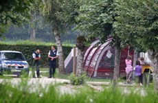 Bé gái 4 tuổi thoát chết trong vụ thảm sát ở Pháp