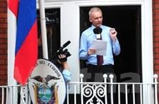 Ecuador đề nghị chuyển Assange sang Thụy Điển