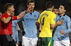 Man City không kháng án, Nasri bị treo giò 3 trận