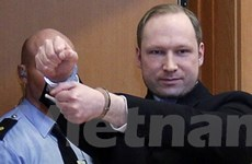 Breivik cáo buộc nhà chức trách tra tấn trong tù