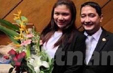 Nghị sĩ Philippines cầu hôn bạn gái ở họp quốc hội
