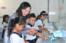 Phòng bệnh truyền nhiễm, rửa tay hay hơn tiêm chủng
