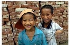 Tặng 386 triệu đồng cho trẻ em khó khăn ở Bắc Kạn