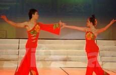 Đoàn nghệ thuật Trung Quốc diễn tại Việt Nam