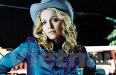 Madonna thiết kế dòng kính thời trang D&G mới