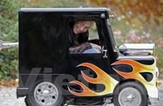 Chiếc xe ôtô nhỏ nhất thế giới xuất hiện tại Anh