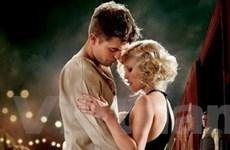 """""""Ma cà rồng"""" Pattinson phải lòng đàn chị quyến rũ"""