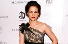 Phong cách thời trang gợi cảm của Kristen Stewart