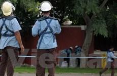 Huấn luyện cảnh sát chống bạo động ở Phnom Penh