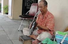 """Nửa thế kỷ xứng danh """"đệ nhất đánh giày Hà thành"""""""