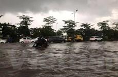 Hà Nội: Mưa lớn do ảnh hưởng bão số 3, nhiều tuyến phố thành sông