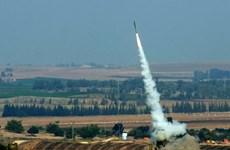 Tên lửa từ Gaza bắn trúng một tòa nhà ở miền Nam Israel