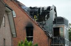 Đức: Máy bay hạng nhẹ đâm vào tòa chung cư làm 3 người thiệt mạng