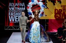 [Photo] Khu vườn kỳ bí 'The Drama Queen' của Nguyễn Tiến Truyển