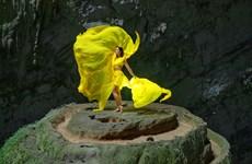[Photo] Hoa hậu H'Hen Niê và vũ điệu ở Vườn Địa Đàng-Sơn Đoòng