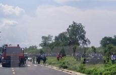 Phát hiện 3 người tử vong trong chiếc xe ôtô nằm dưới lòng kênh