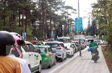 Tắc đường nghiêm trọng tại Đà Lạt, 3 tiếng nhích được 10km