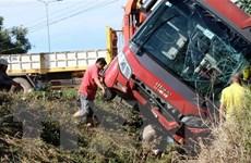 Xe giường nằm lật trên cao tốc đi Đà Lạt, hành khách thoát nạn