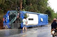 Kon Tum: Lật xe khách trên Quốc lộ 14 khiến 19 người bị thương