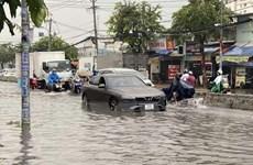 Nhiều khu vực ở Thành phố Hồ Chí Minh ngập nặng do mưa lớn