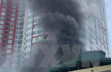 Hà Nội: Lại xảy ra cháy lớn tại một nhà xưởng trên phố Định Công