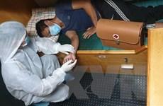 Khánh Hòa: Bệnh xá xã đảo Sinh Tồn cấp cứu ngư dân bị đau ruột thừa