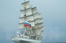 Đưa 2 nữ thuyền viên người Nga gặp sự cố trên biển vào bờ cấp cứu