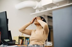Dịch COVID-19: Các phương pháp giúp hạn chế số lần chạm tay lên mặt