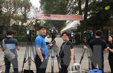 Hình ảnh các phóng viên quốc tế đến tác nghiệp tại Việt Nam