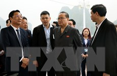 [Photo] Đoàn đại biểu Đảng Lao động Triều Tiên thăm Vịnh Hạ Long