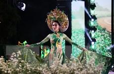 Những bộ sưu tập tuyệt đẹp trong đêm khai mạc Lễ hội áo dài TP.HCM