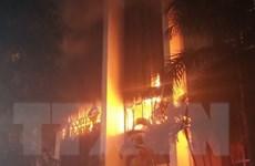 Cháy lớn tại Tòa nhà Dầu khí, một người tử vong và 8 người ngạt khí