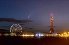 Những bức ảnh tuyệt đẹp chụp sao chổi Neowise trên bầu trời nước Anh