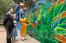 Khánh thành dự án tranh tường chào mừng kỷ niệm 25 năm quan hệ Việt-Mỹ